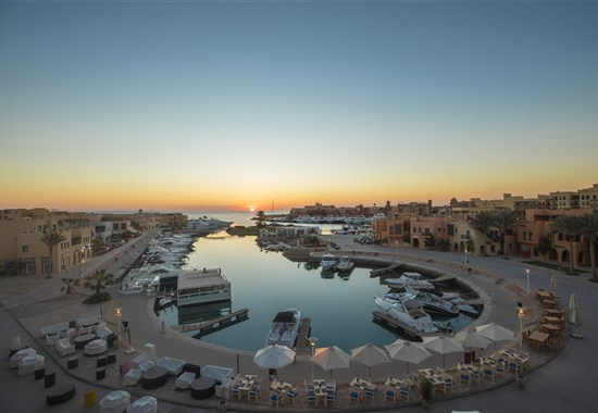 Captain's Inn - El Gouna